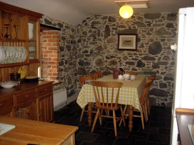 buttermilk cottage kitchen 2